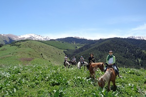 קירגיזסטן-טיול-סוסים